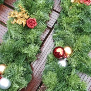 bauble-garland.jpg